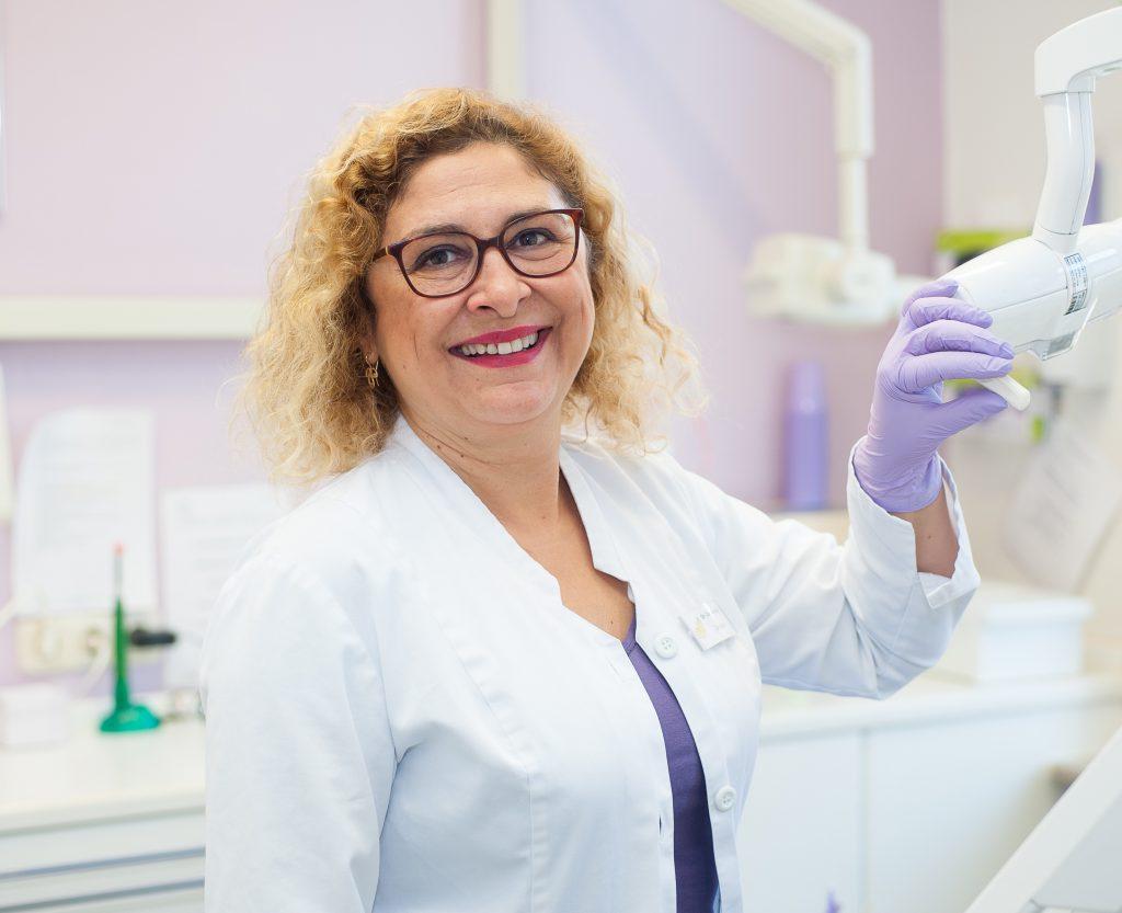 Ihr Zahnarzt in Reinfeld. Dr. Carmen Kock